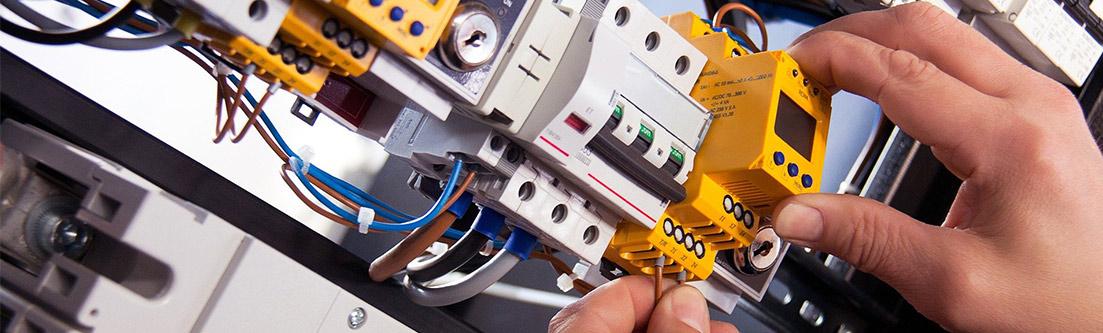 Jobs und Stellenangebote bei Schlömer Elektrotechnik Kopbereich_Foto